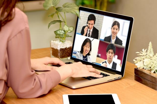 Zoomウェビナーでパネリストを登録する方法