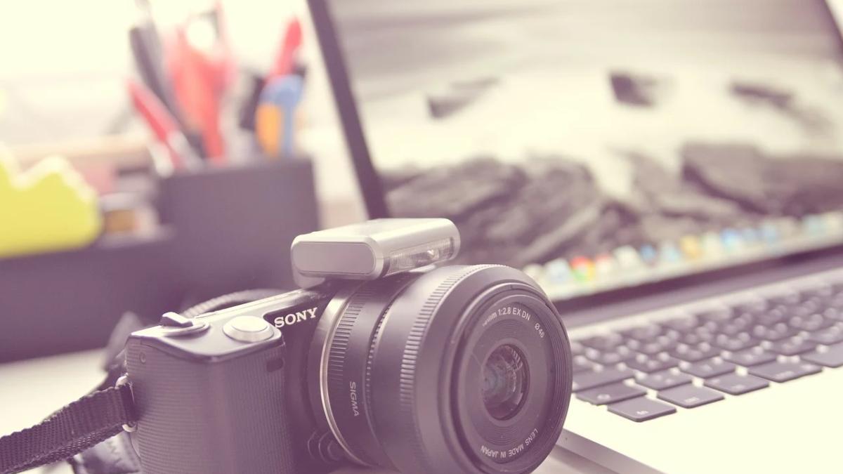 Zoomウェビナーで接続できるカメラの種類は? – Zoomサポート